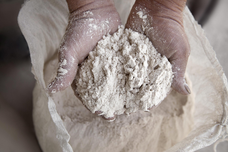 """Fabriquant de """"pâtes"""", farine et moutarde"""